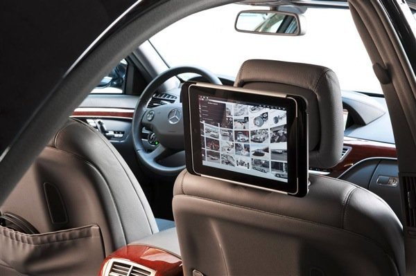 Benz-showing-of-its-iPad-docking-station.jpg