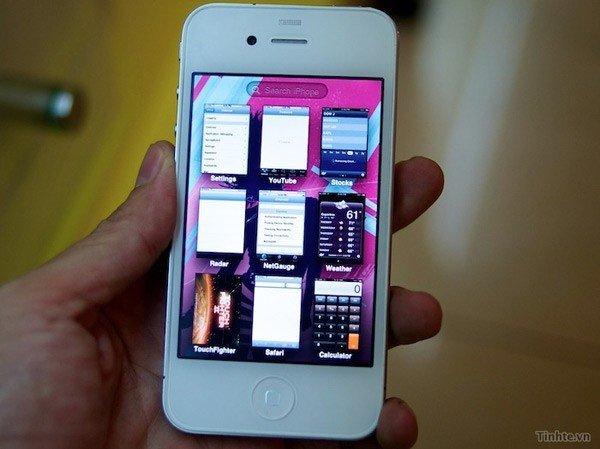 WhiteiPhone4