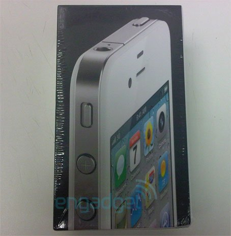 White iPhone 4 available at Vodafone UK