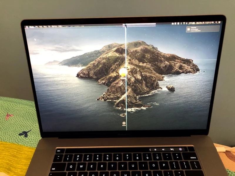 macbook-display-issues-camera-cover-2